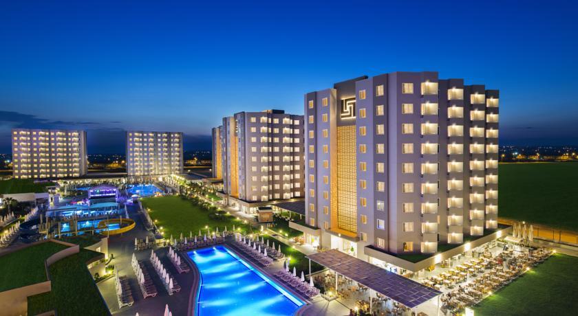 هتل گرند پارک لارا | تور آنتالیا