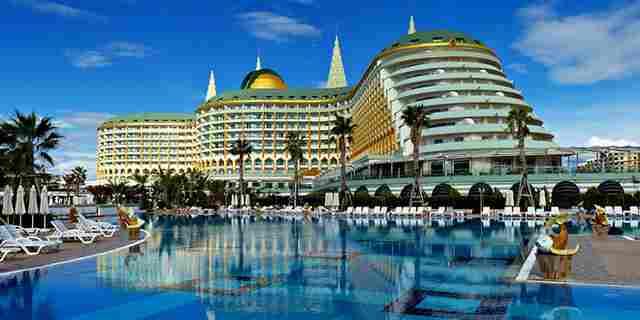 هتل پنج ستاره کروانسرای لارا