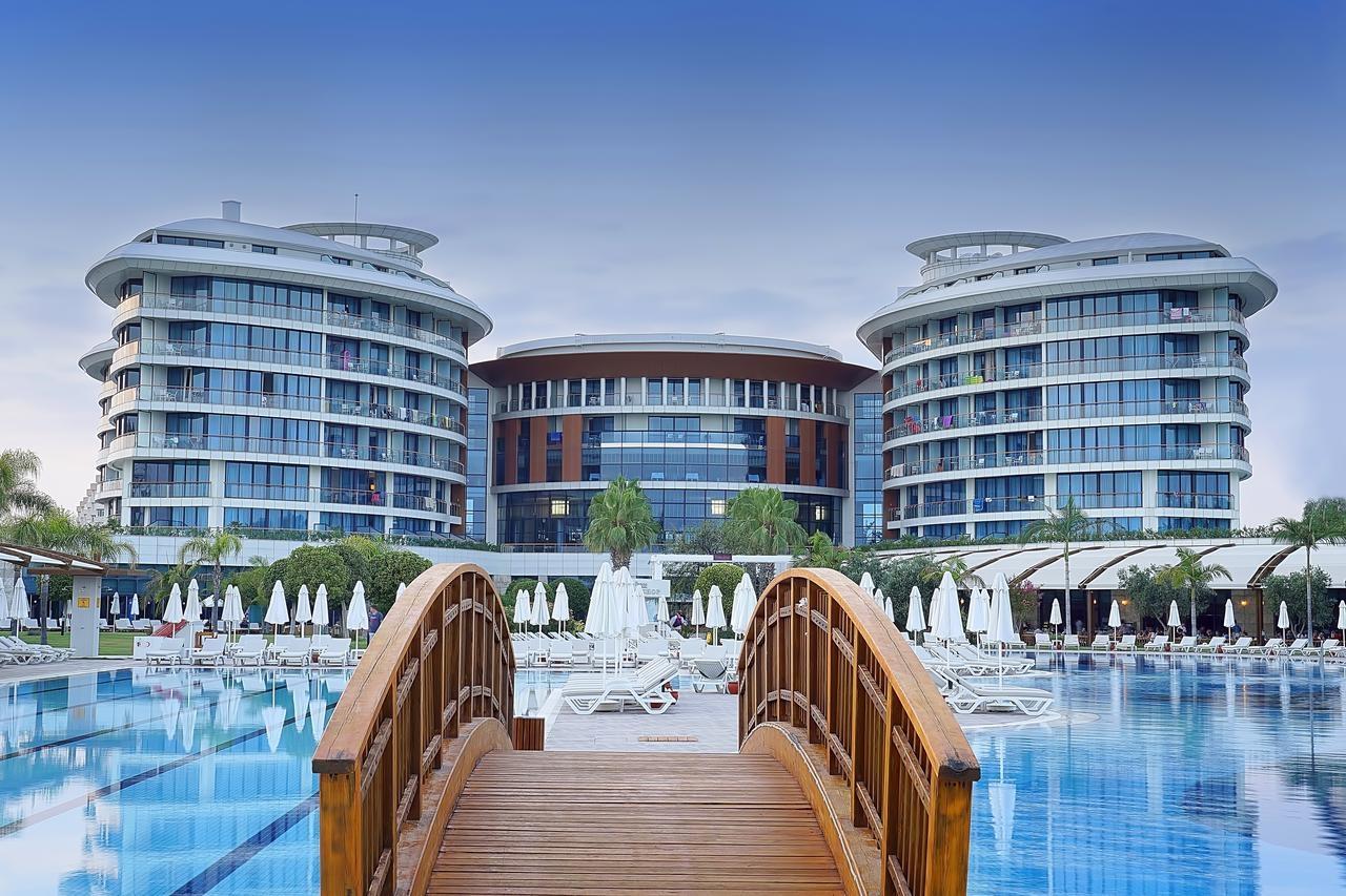 هتل پنج ستاره بایا لارا