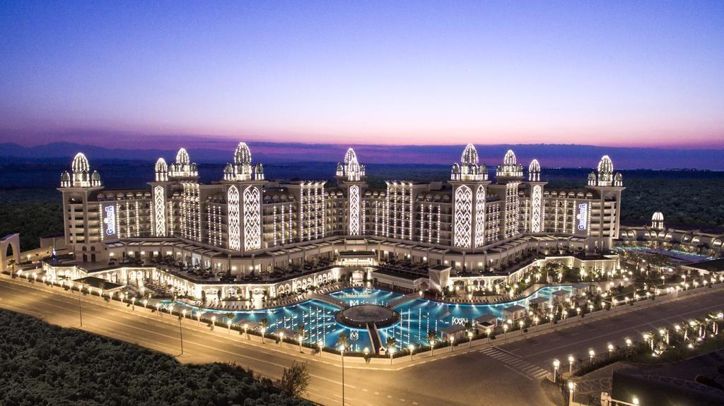 هتل پنج ستاره گرانادا